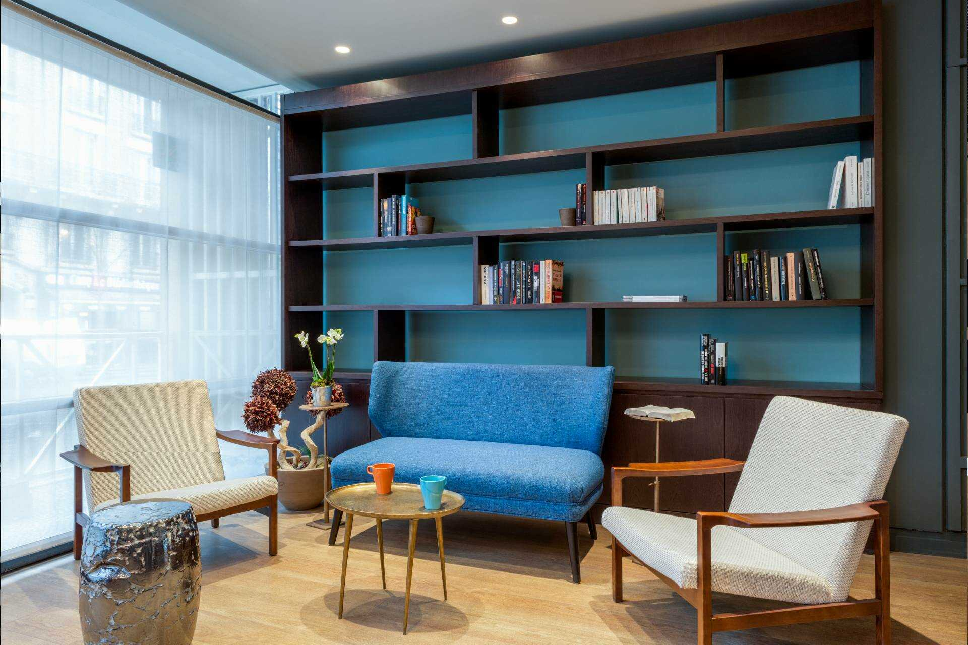 quality_suites_bercy_bibliotheque_by_happyculture.jpg